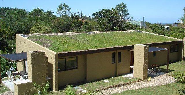 Casa en construcción con requerimientos de vivienda sustentable