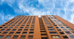 """Las viviendas verticales ganan aceptación en las grandes ciudades coinciden los expertos en """"Real State"""" como Luis Domingo Madariaga Lomelín."""