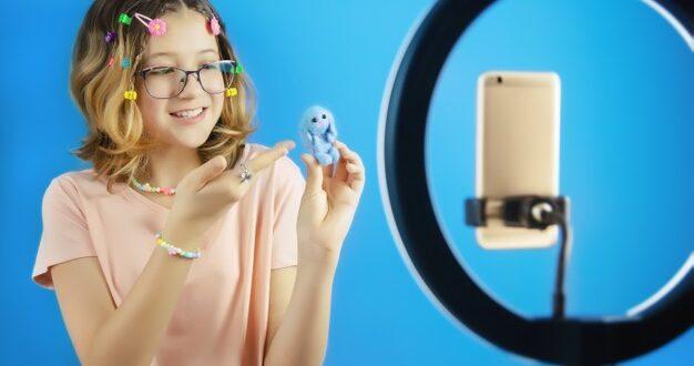 Orientación e impulso a niñas y jóvenes ayudará a que se interesen más por las TIC, asegura Angélica Fuentes.